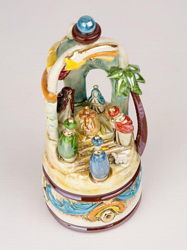 Presepe in tempietto con palma (H 20) Presepi - CeramicArt Caltagirone