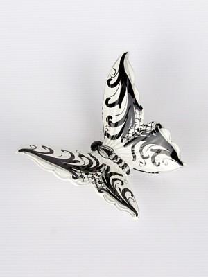Farfalla con Ornato bianco e nero (H 15)