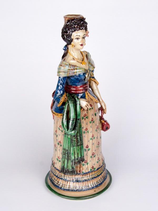 Lumiera donna con abito elegante e borsetta (H 40) Lumiere e Candelabri - CeramicArt Caltagirone