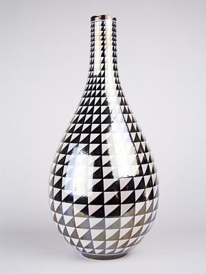 Vaso a bottiglia con decoro punta di diamante (H 48)