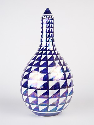 Diamond tip bottle vase (H 34)