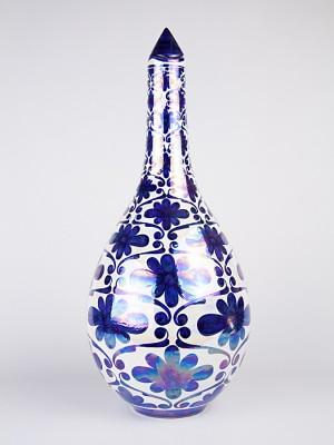 Vaso a bottiglia con tappo con decoro spagnoleggiante (H 51)