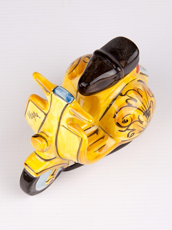 Vespa gialla (H 9) Oggettistica - CeramicArt Caltagirone