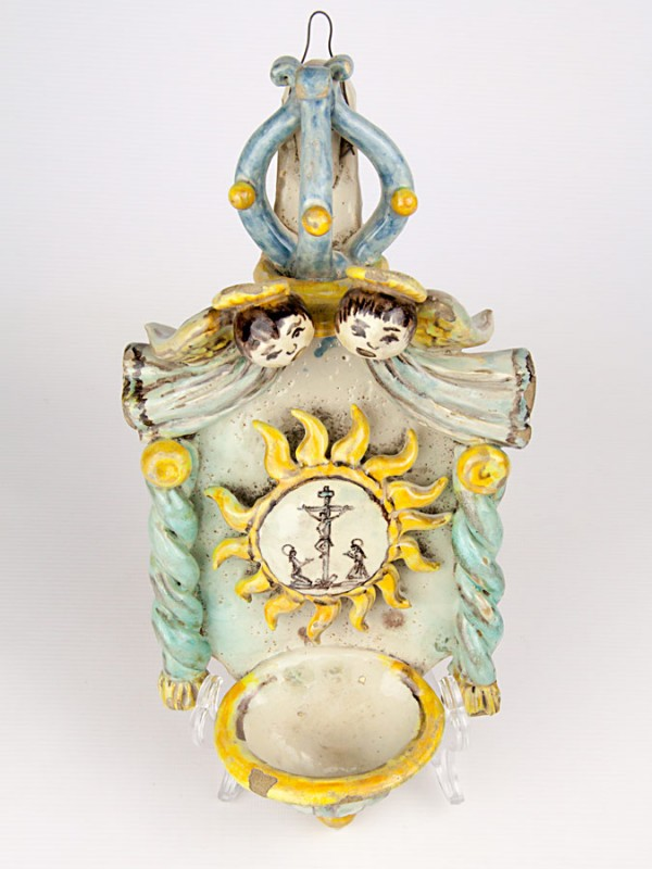 Acquasantiera anticata con sole (Tir. Limitata) (H 34) Acquasantiere - CeramicArt Caltagirone