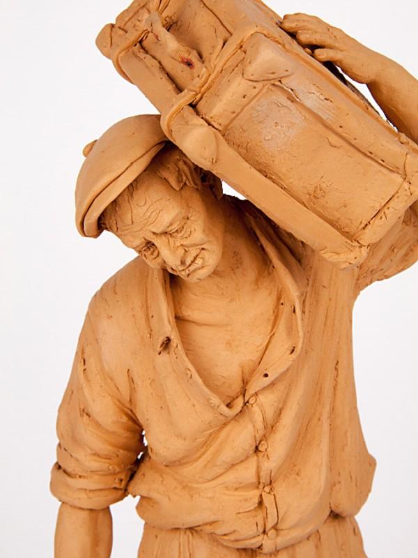 Emigrante con valigia (Tir. Militata) (H 40) Sculture - CeramicArt Caltagirone