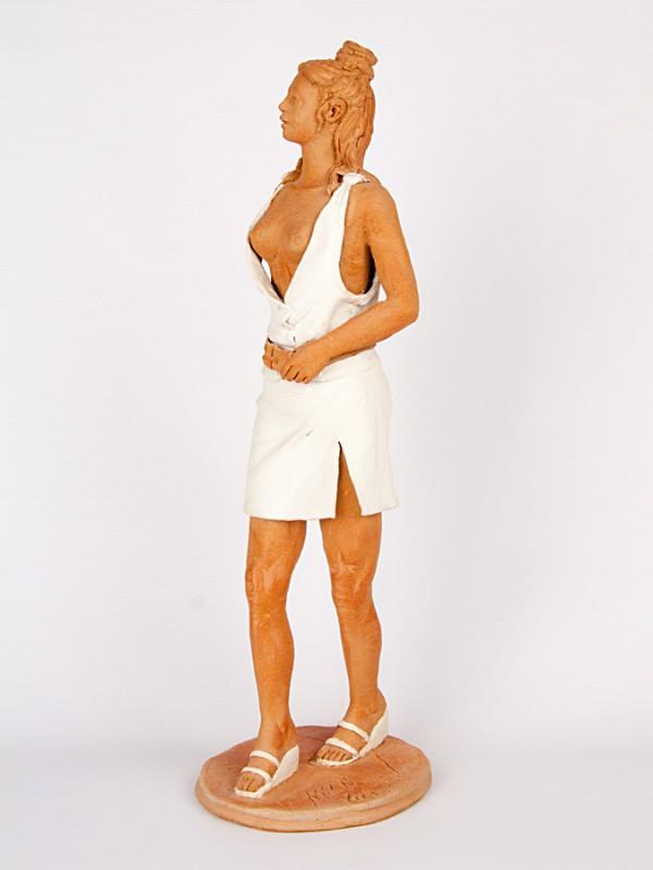 Figura di donna teutonica (Pezzo Unico) (H 45) Sculture - CeramicArt Caltagirone