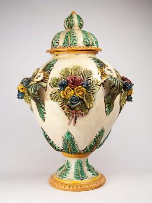 Vaso con rose a rilievo (Tir. Limitata) (H 70)