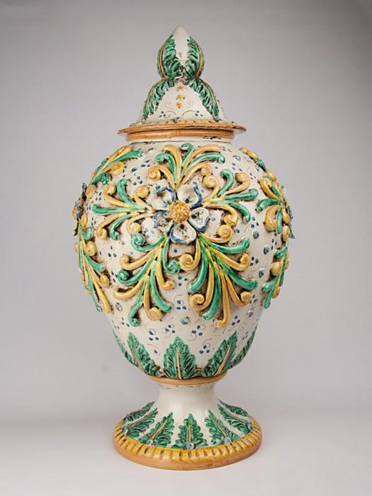 Vaso con decori a rilievo stile '800 (Tir. Limitata) (H 70)