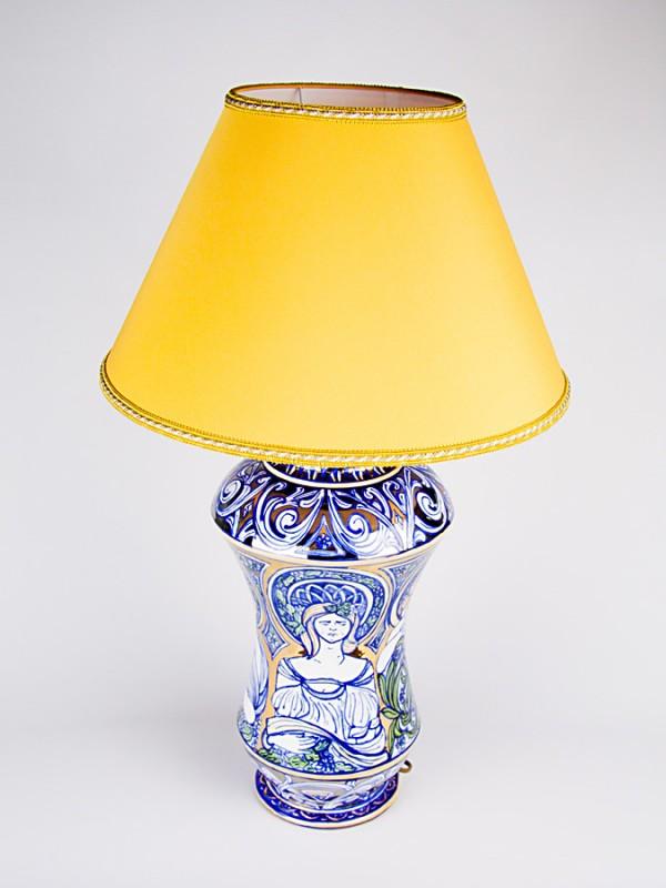 Lume con decoro Liberty (H 67) Lumi - CeramicArt Caltagirone