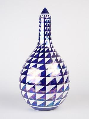 Vaso a bottiglia con decoro a punta di diamante (H 34)