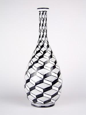 Vaso a bottiglia scutulata (H 41)